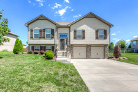 9008 SW 10 ST, Lee's Summit, MO